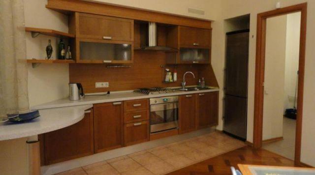 2-комнатная квартира (85м2) в аренду по адресу Рубинштейна ул., 25— фото 1 из 3