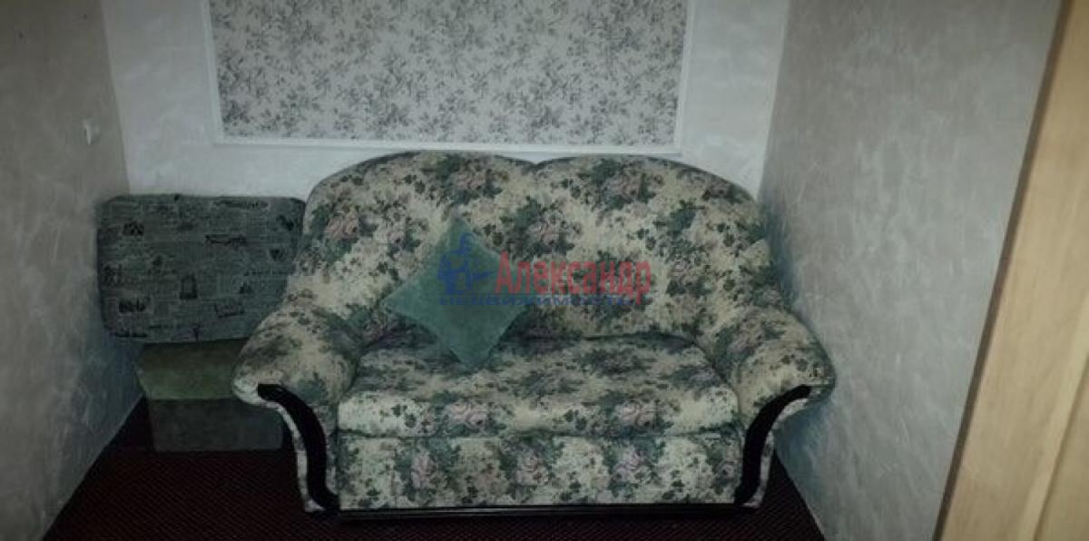 Комната в 3-комнатной квартире (62м2) в аренду по адресу Космонавтов просп., 48— фото 2 из 5