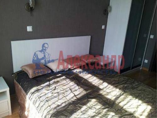 2-комнатная квартира (61м2) в аренду по адресу Кустодиева ул., 19— фото 1 из 6