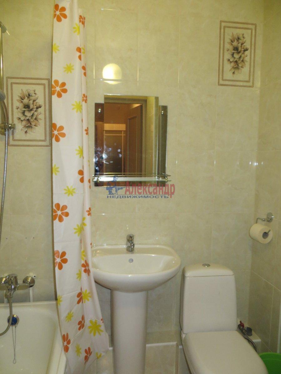 1-комнатная квартира (35м2) в аренду по адресу Кондратьевский пр., 64— фото 4 из 5