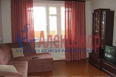 Комната в 2-комнатной квартире (59м2) в аренду по адресу Верности ул., 6— фото 1 из 3