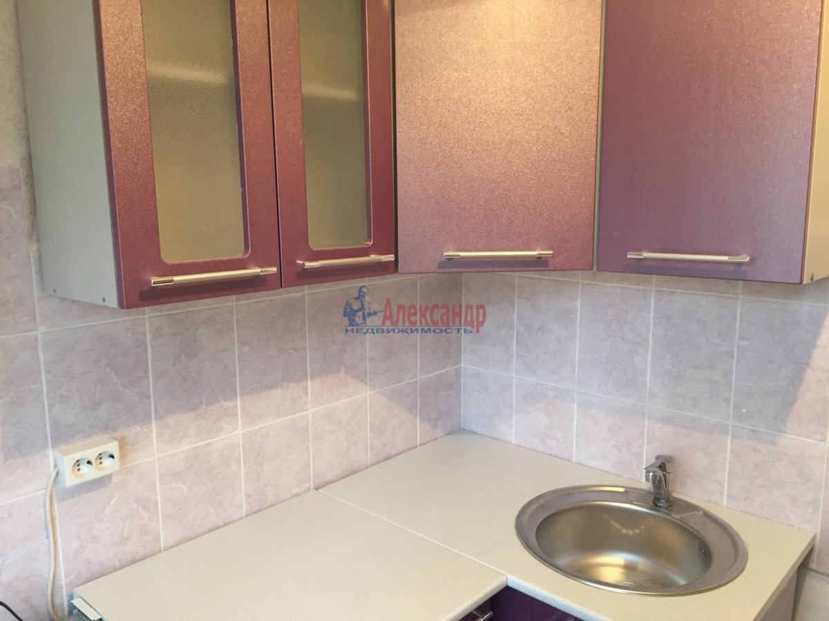 2-комнатная квартира (45м2) в аренду по адресу Белы Куна ул., 21— фото 3 из 7