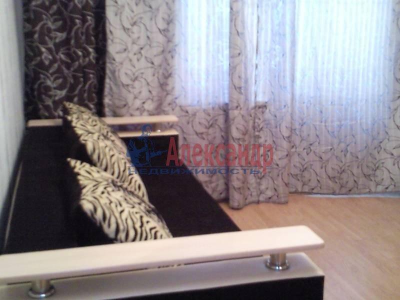 1-комнатная квартира (48м2) в аренду по адресу Капитанская ул., 4— фото 1 из 12