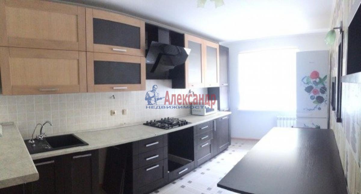 3-комнатная квартира (82м2) в аренду по адресу Типанова ул., 38— фото 1 из 8
