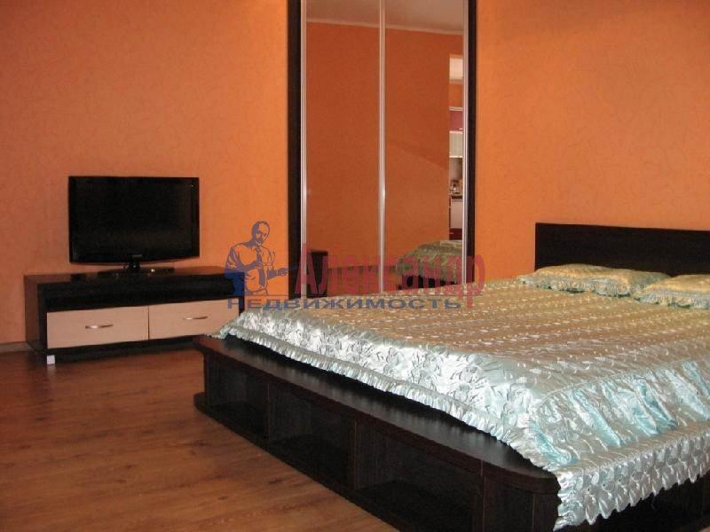 Комната в 2-комнатной квартире (64м2) в аренду по адресу Кораблестроителей ул., 36— фото 1 из 1