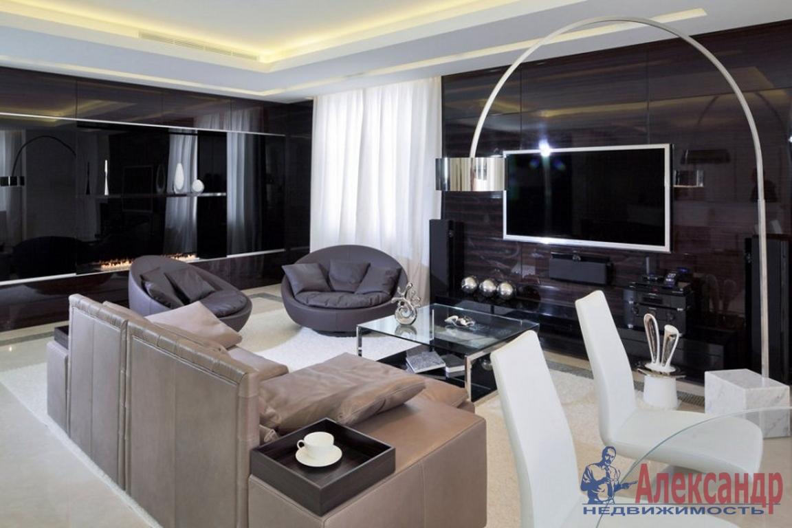 2-комнатная квартира (75м2) в аренду по адресу Дивенская ул., 5— фото 1 из 4