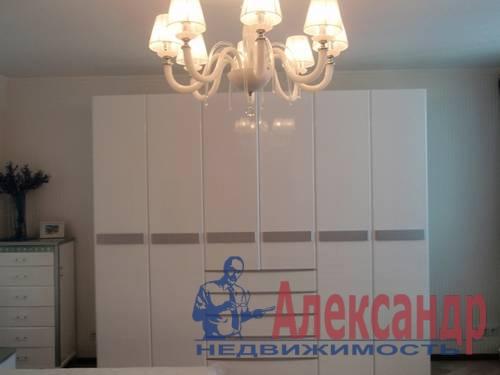 2-комнатная квартира (65м2) в аренду по адресу Савушкина ул., 128— фото 2 из 4