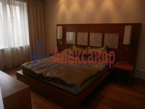 2-комнатная квартира (69м2) в аренду по адресу Кременчугская ул., 11— фото 4 из 11