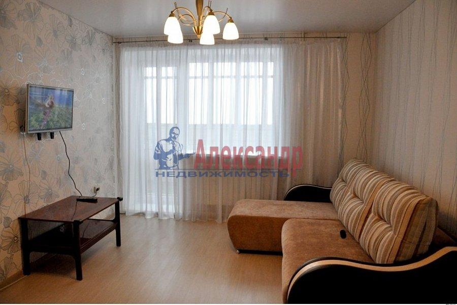 1-комнатная квартира (36м2) в аренду по адресу Есенина ул., 1— фото 1 из 3