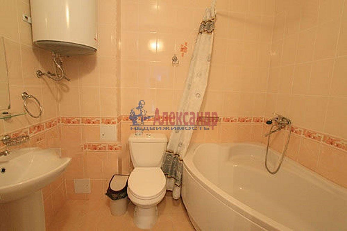 2-комнатная квартира (59м2) в аренду по адресу Мурино пос., Привокзальная пл., 5— фото 4 из 4