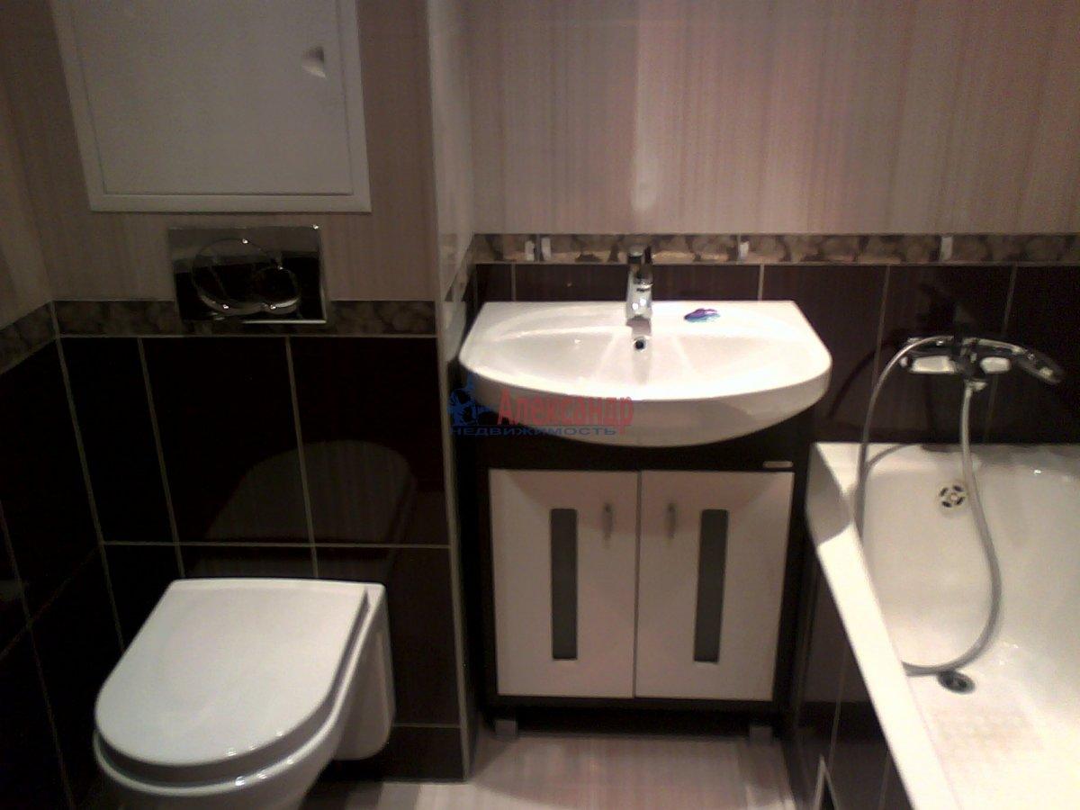 3-комнатная квартира (100м2) в аренду по адресу Рашетова ул., 14— фото 5 из 6