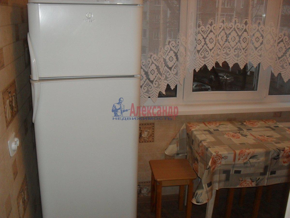 2-комнатная квартира (50м2) в аренду по адресу Софийская ул., 35— фото 8 из 9