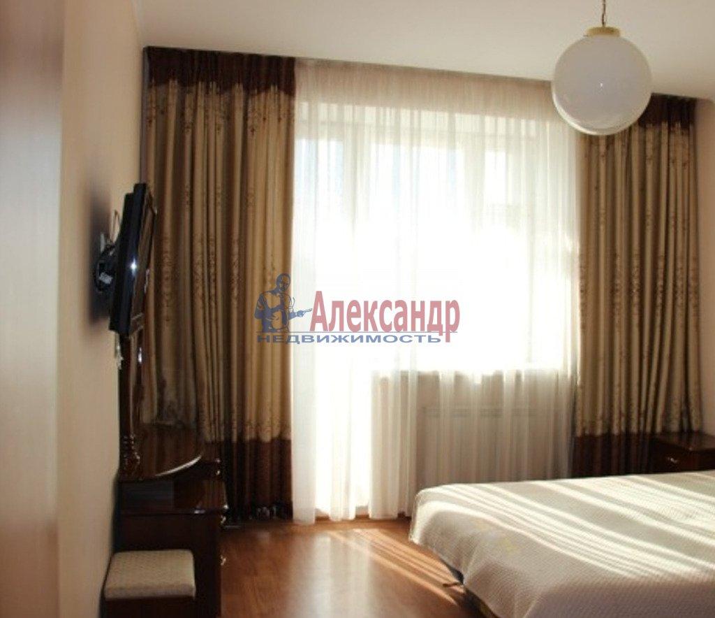 2-комнатная квартира (60м2) в аренду по адресу Обуховской Обороны пр., 110— фото 1 из 3