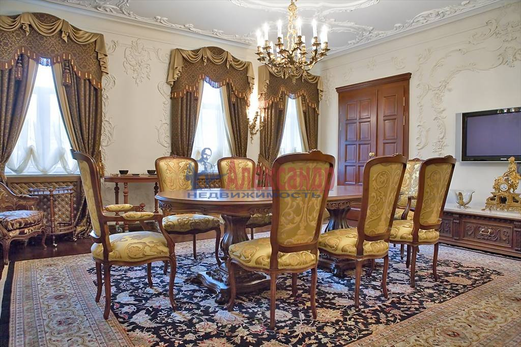 4-комнатная квартира (220м2) в аренду по адресу Восстания ул.— фото 1 из 4