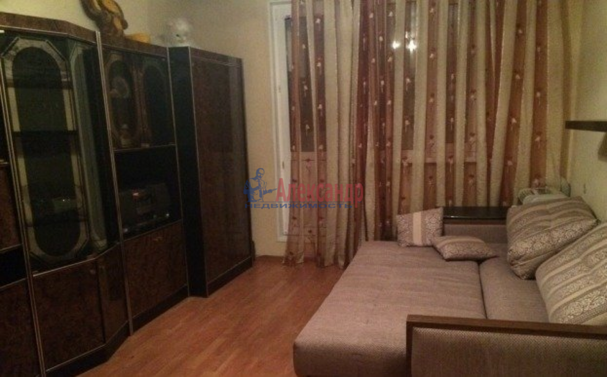 2-комнатная квартира (52м2) в аренду по адресу Ветеранов пр., 114— фото 3 из 6