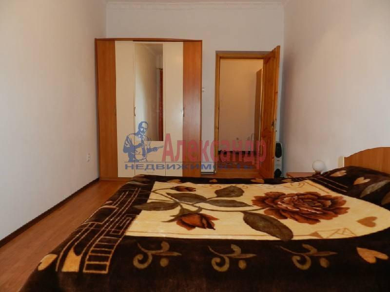 3-комнатная квартира (90м2) в аренду по адресу Большой пр., 71— фото 2 из 5