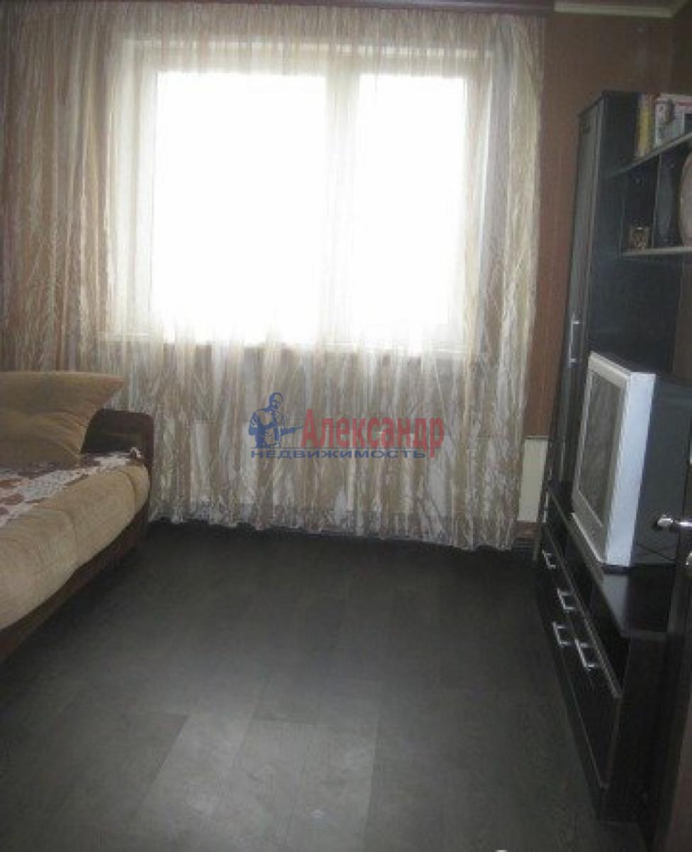 Комната в 3-комнатной квартире (72м2) в аренду по адресу Швецова ул., 11— фото 2 из 6