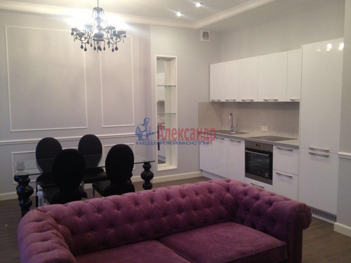 3-комнатная квартира (80м2) в аренду по адресу Парадная ул., 3— фото 1 из 7