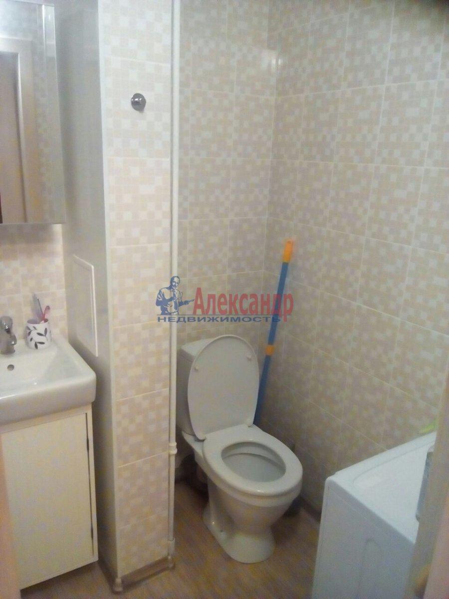1-комнатная квартира (33м2) в аренду по адресу Большевиков пр., 15— фото 9 из 9