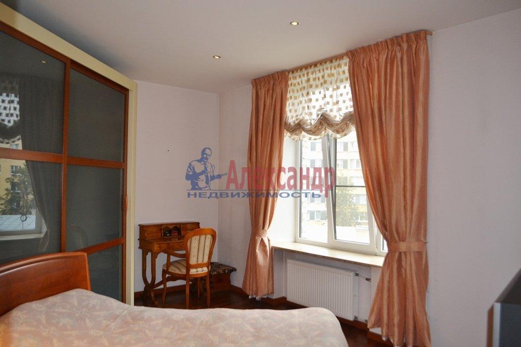 3-комнатная квартира (93м2) в аренду по адресу Суворовский пр., 62— фото 7 из 14