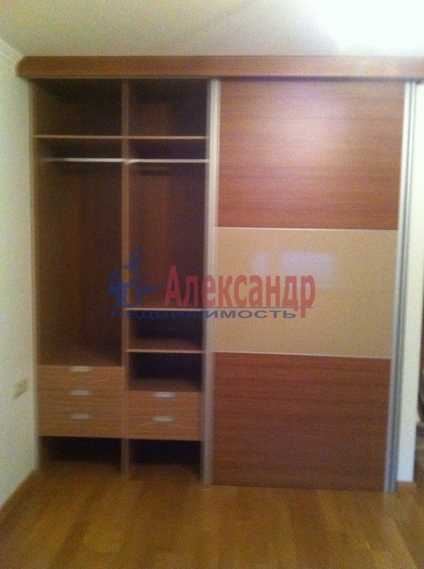 3-комнатная квартира (95м2) в аренду по адресу Стародеревенская ул., 3— фото 7 из 9