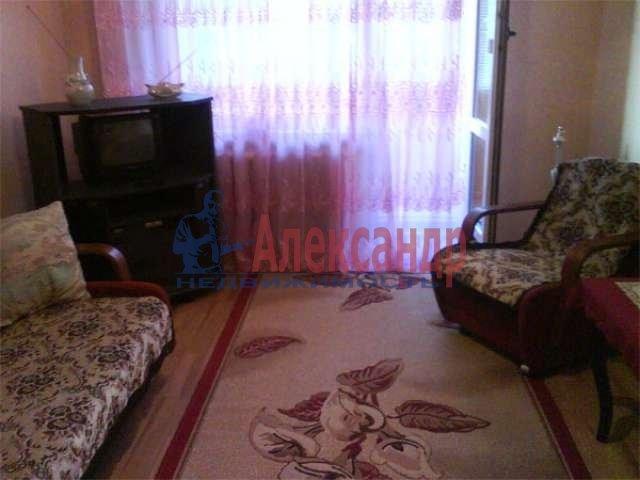 1-комнатная квартира (32м2) в аренду по адресу Решетникова ул., 10— фото 2 из 3