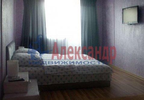 1-комнатная квартира (39м2) в аренду по адресу Ильюшина ул., 11— фото 1 из 9