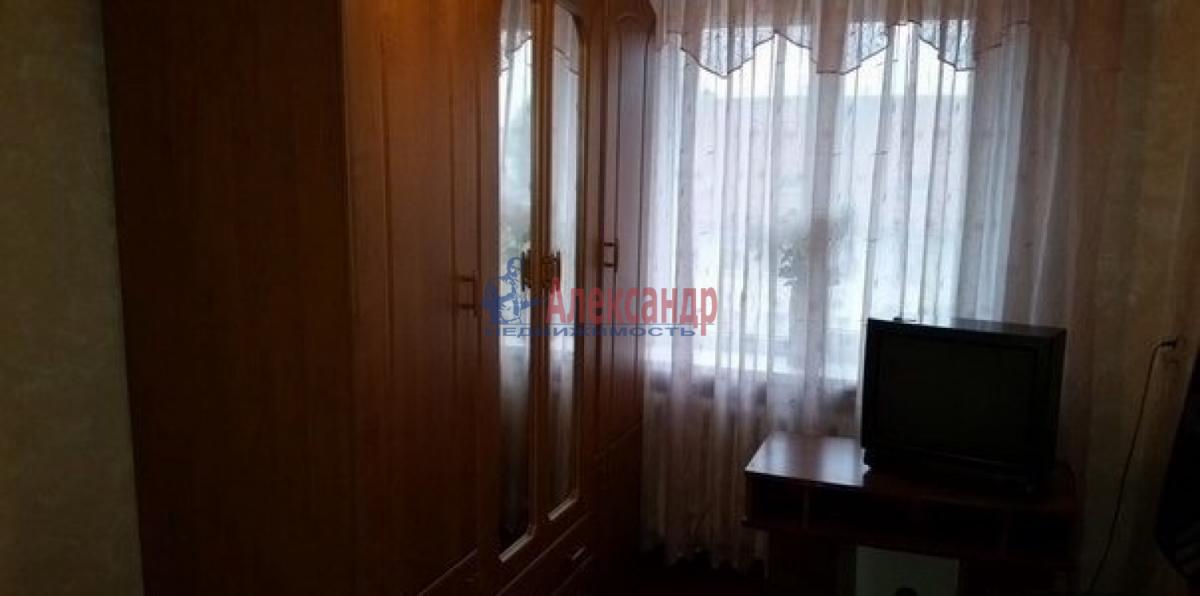 Комната в 3-комнатной квартире (62м2) в аренду по адресу Космонавтов просп., 48— фото 1 из 5