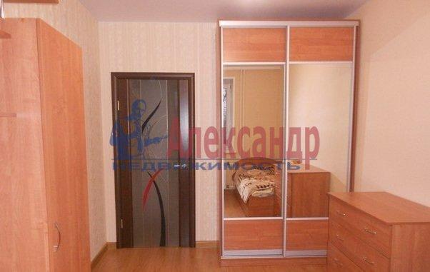 3-комнатная квартира (80м2) в аренду по адресу Сизова пр., 25— фото 2 из 13
