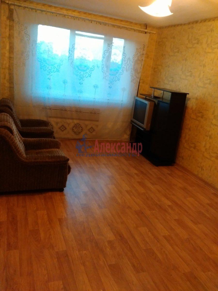 Комната в 3-комнатной квартире (70м2) в аренду по адресу Дыбенко ул., 22— фото 5 из 5
