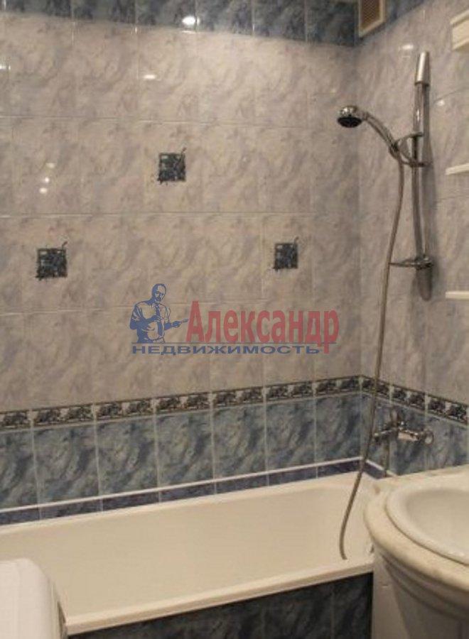 2-комнатная квартира (75м2) в аренду по адресу Богатырский пр., 49— фото 4 из 5