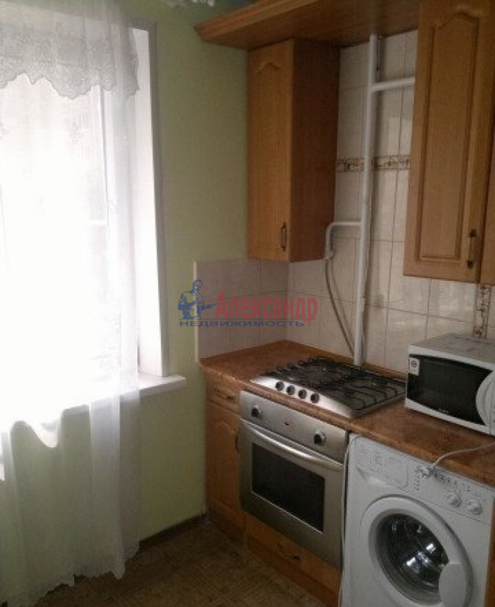 1-комнатная квартира (34м2) в аренду по адресу Зины Портновой ул., 25— фото 2 из 3