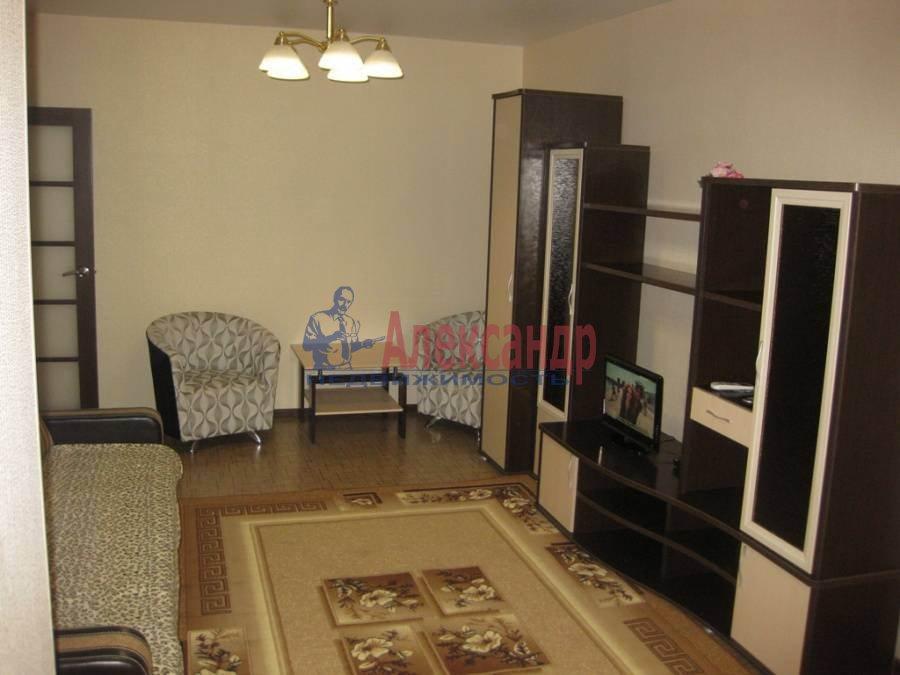 1-комнатная квартира (43м2) в аренду по адресу Шелгунова ул., 7— фото 3 из 4