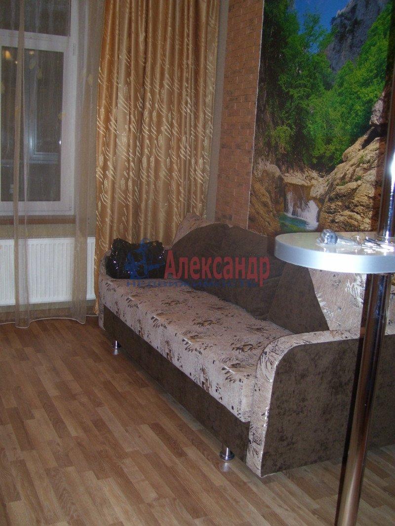 1-комнатная квартира (35м2) в аренду по адресу Маршала Блюхера пр., 21— фото 1 из 10