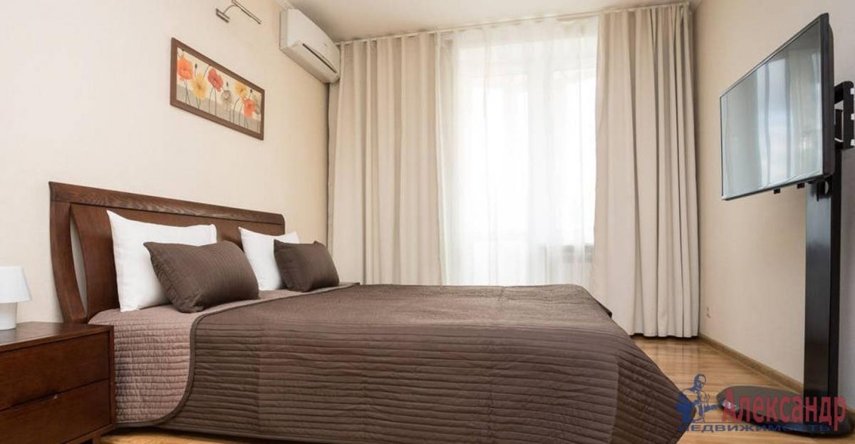 3-комнатная квартира (100м2) в аренду по адресу Гранитная ул., 54— фото 2 из 5