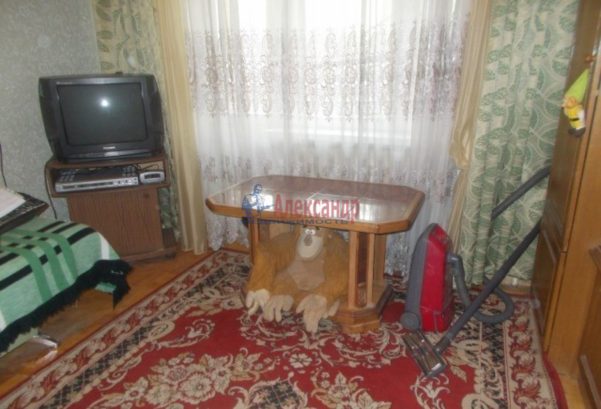 1-комнатная квартира (42м2) в аренду по адресу Загребский бул., 7— фото 3 из 8