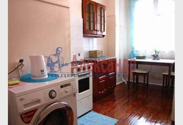 1-комнатная квартира (40м2) в аренду по адресу Реки Мойки наб., 8— фото 1 из 7