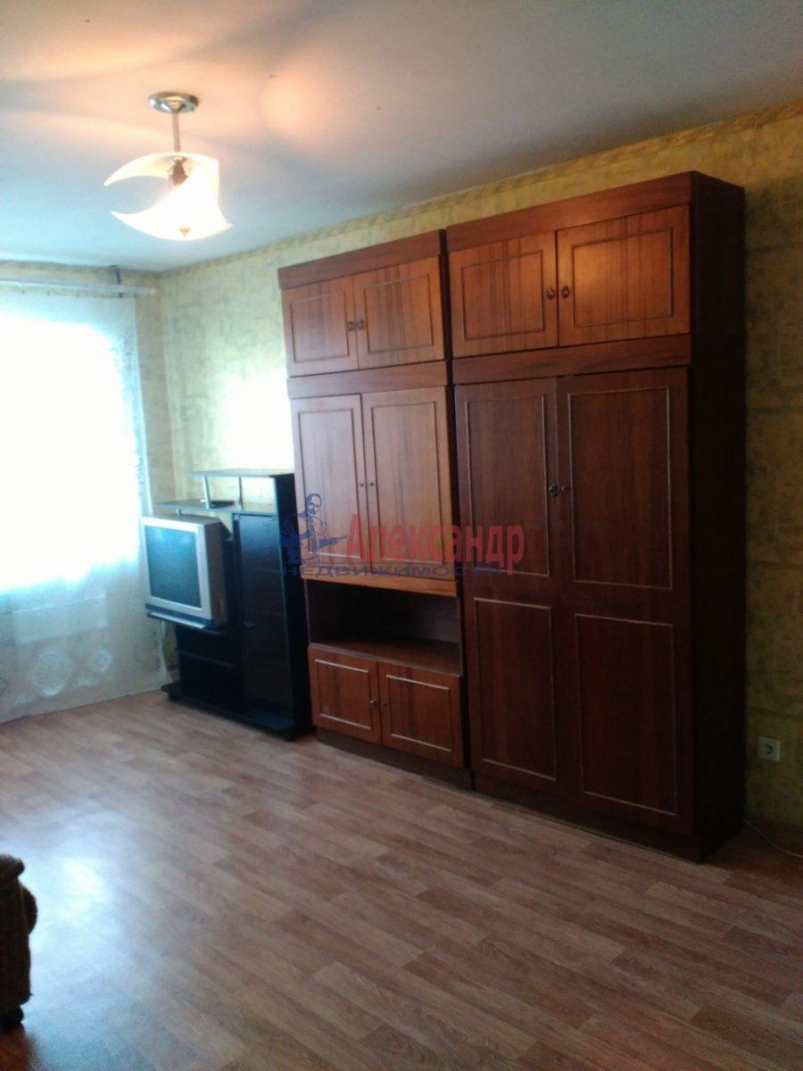 Комната в 3-комнатной квартире (70м2) в аренду по адресу Дыбенко ул., 22— фото 4 из 5