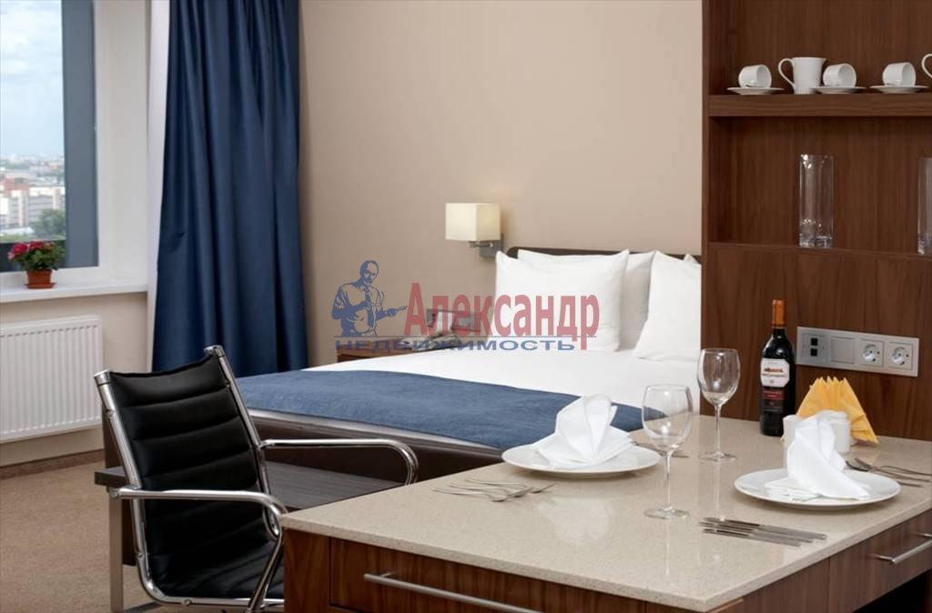 1-комнатная квартира (35м2) в аренду по адресу Московский просп., 93— фото 1 из 3