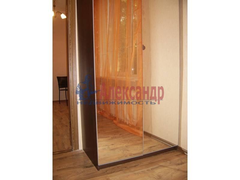 2-комнатная квартира (54м2) в аренду по адресу Дрезденская ул.— фото 4 из 11
