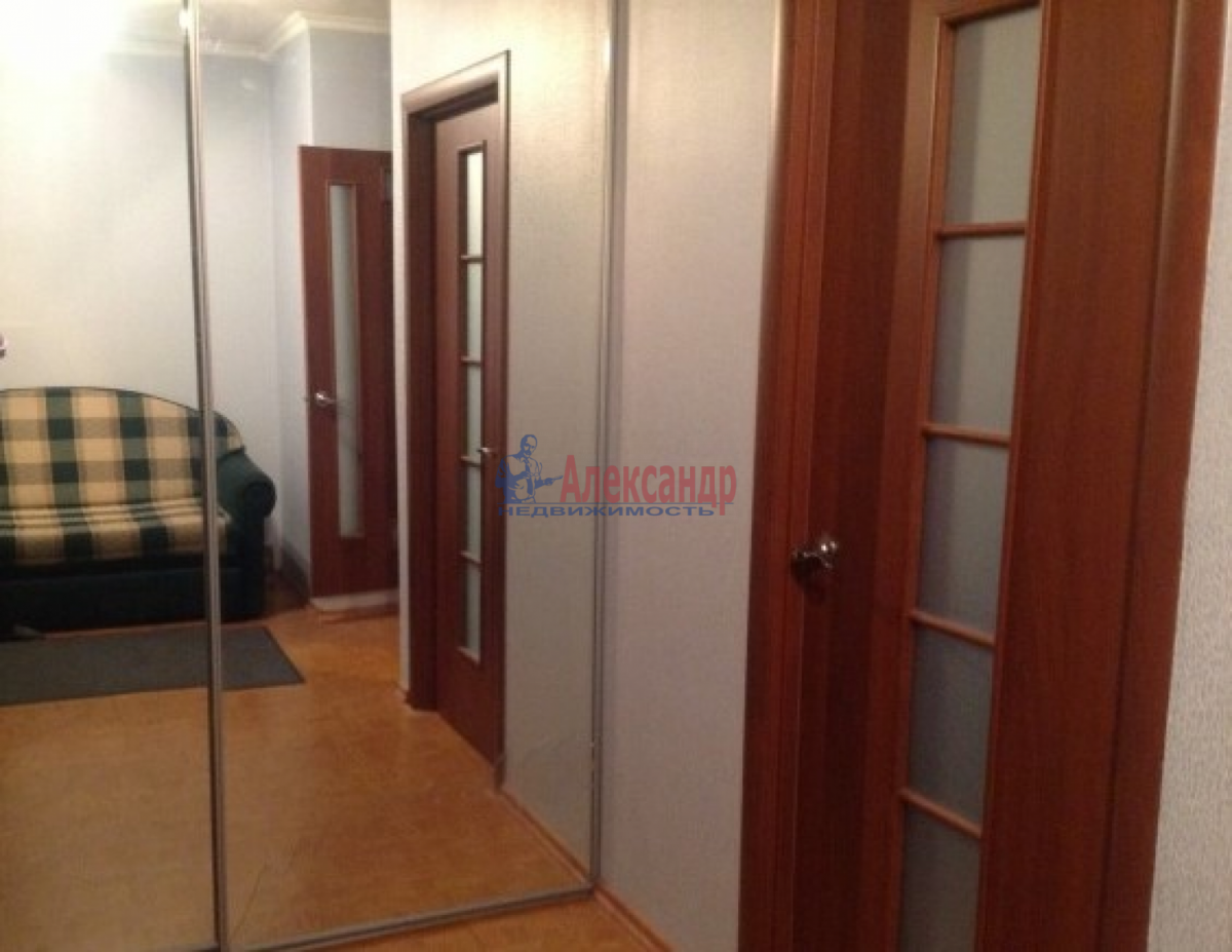 1-комнатная квартира (45м2) в аренду по адресу Юрия Гагарина просп., 48— фото 3 из 5