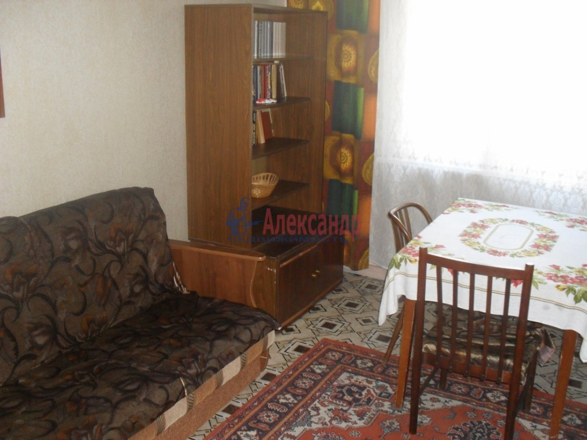 2-комнатная квартира (54м2) в аренду по адресу Белы Куна ул., 15— фото 2 из 6