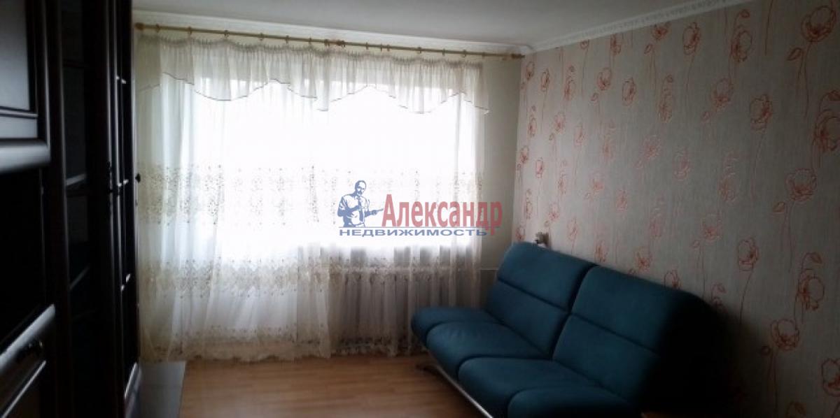 Комната в 3-комнатной квартире (62м2) в аренду по адресу Космонавтов просп., 48— фото 3 из 5