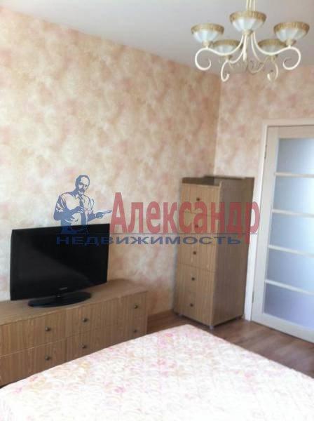 3-комнатная квартира (82м2) в аренду по адресу Пражская ул., 9— фото 6 из 11