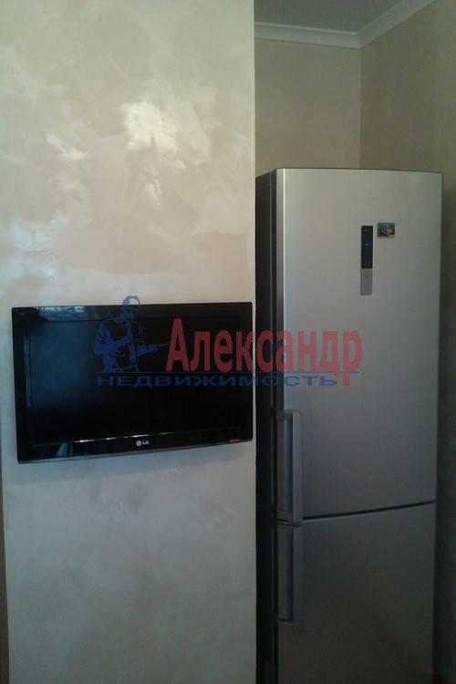 2-комнатная квартира (61м2) в аренду по адресу Коломяжский пр., 26— фото 10 из 12