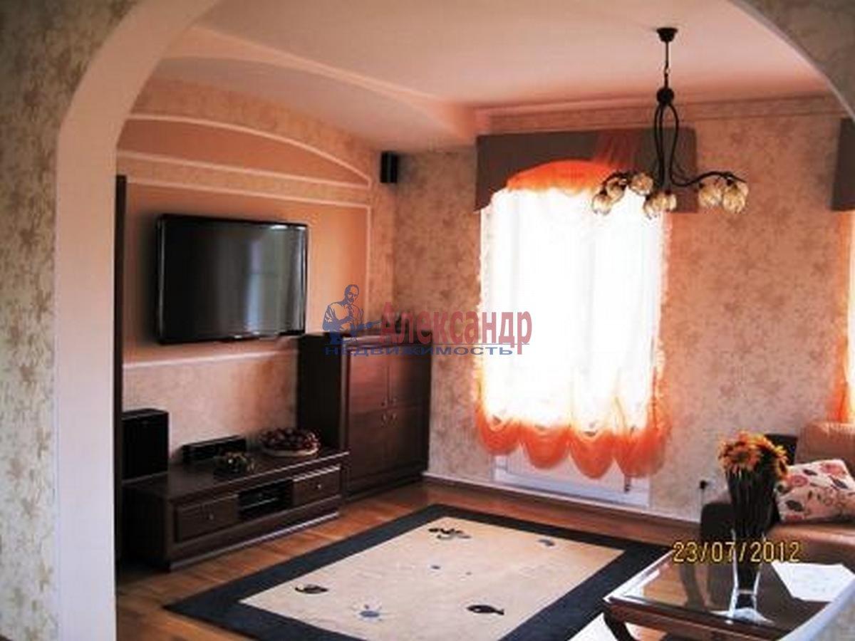 Дом (250м2) в аренду — фото 1 из 13
