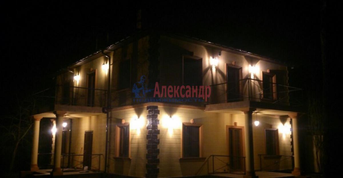 Дом (220м2) в аренду — фото 1 из 15