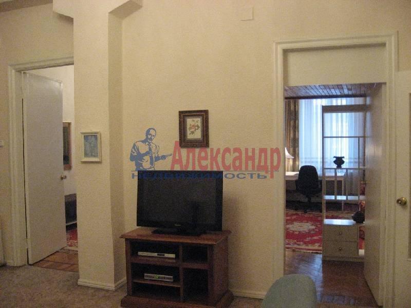 3-комнатная квартира (70м2) в аренду по адресу Рубинштейна ул., 3— фото 10 из 12