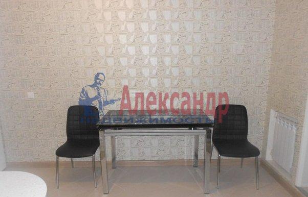 3-комнатная квартира (80м2) в аренду по адресу Сизова пр., 25— фото 12 из 13