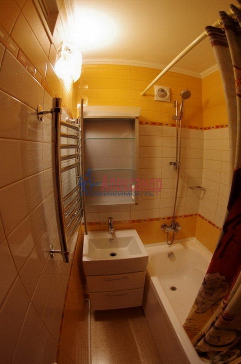 3-комнатная квартира (55м2) в аренду по адресу Есенина ул., 18— фото 6 из 7